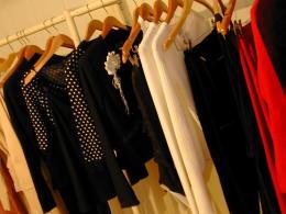 Парфюмирани дрехи прикриват миризмата на тялото