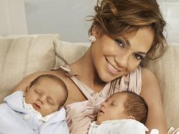 Джей Ло държи бебетата й да не обличат повторно една дреха