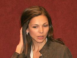 Юлияна Дончева: Като ученичка си шиех дрехите сама