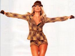 Бритни Спиръс обмисля създаването на собствена модна линия
