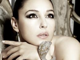 Моника Белучи рекламира Cartier