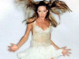 Карла Бруни ще пее в шоу по германска телевизия