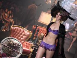 Луксозно бельо направи фурор в Банкок