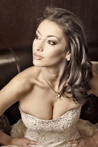 Toп-моделът Гери Дончева се снима в рекламен клип на Пещерска
