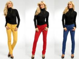 Цветните дънки отново на мода