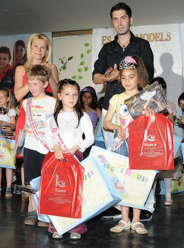 "ES line Models награди гимнастик и гимнастичка в конкурса "" Малките звезди"""