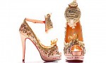 Кристиан Лубутен твори обувки в самота