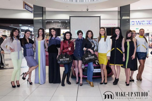 FASHION SHOW TWINGO TREND & MAKE-UP STUDIO